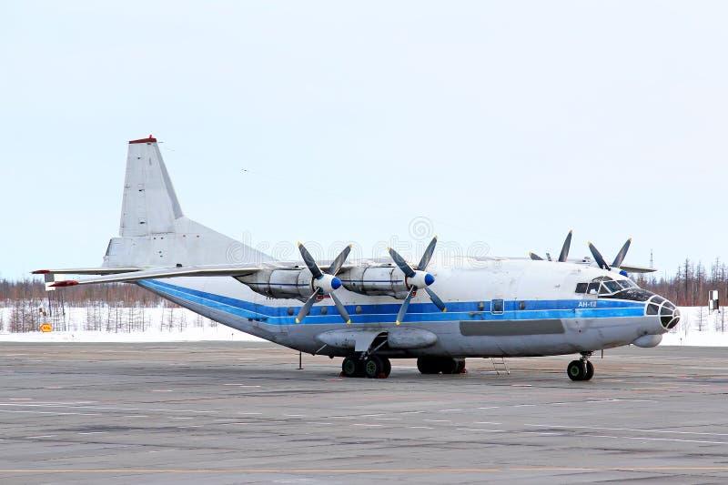 Kosmos航空安托诺夫An-12B 免版税库存图片