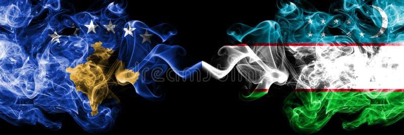 Kosovo contre l'Ouzbékistan, drapeaux mystiques fumeux d'Ouzbékistan placés côte à côte Épais coloré soyeux fume la combinaison d illustration stock