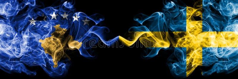 Kosovo contre la Suède, drapeaux mystiques fumeux suédois placés côte à côte Épais coloré soyeux fume la combinaison de Kosovo et illustration libre de droits