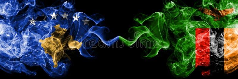 Kosovo contre la Zambie, drapeaux mystiques fumeux zambiens placés côte à côte Épais coloré soyeux fume la combinaison de Kosovo  illustration libre de droits