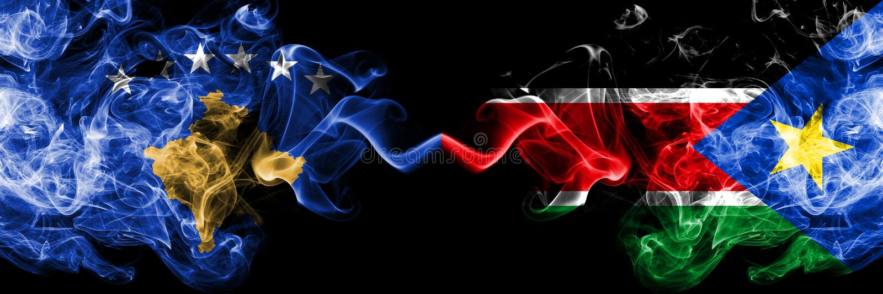 Kosovo contre les drapeaux mystiques fumeux du sud du Soudan placés côte à côte Épais coloré soyeux fume la combinaison de Kosovo illustration libre de droits