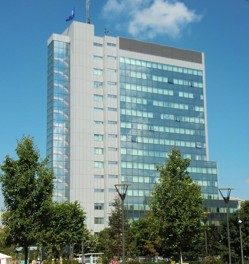 Kosovo-Parlaments-Gebäude lizenzfreie stockfotos