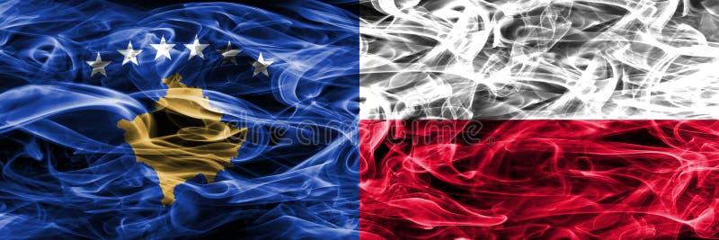 Kosowo vs Polska dymu flaga umieszczająca strona strona - obok - zdjęcie stock