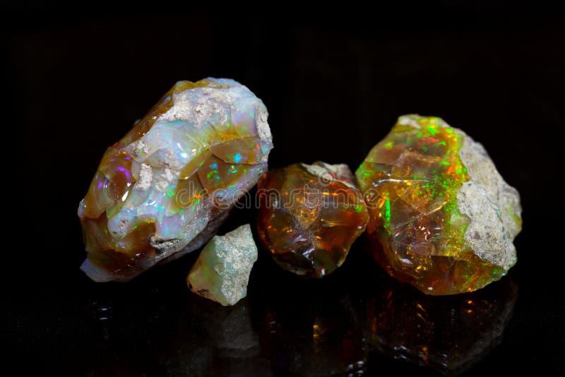 Kostbaar opaal stock afbeeldingen