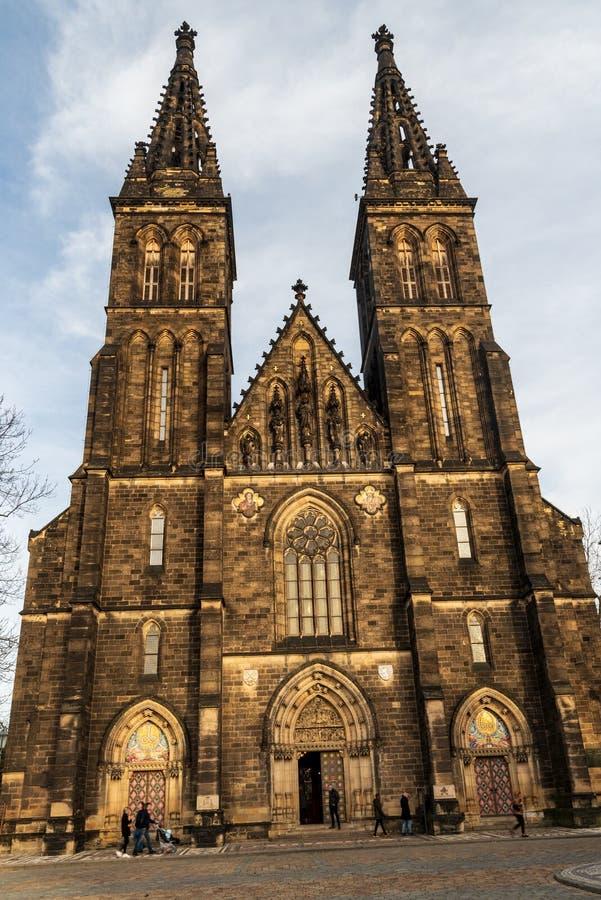 Kostel sv Petra a Pavla-kerk op Vysehrad in Praha, stad in Tsjechië royalty-vrije stock afbeeldingen