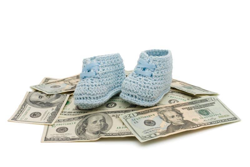 Kosten des Anhebens eines Kindes stockfotografie