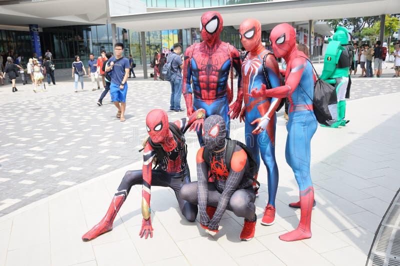 Kostiumery roleplaying czlowiek-pająk przy Cosfest 2019 w Singapur zdjęcie stock