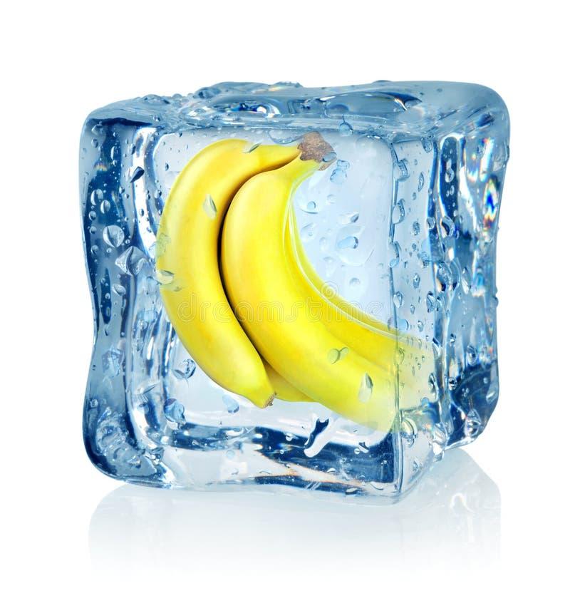 Kostka lodu i banan zdjęcia royalty free