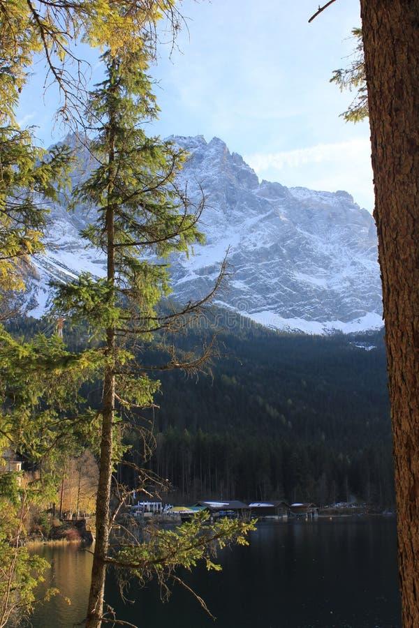 Kostkowy Zugspitze zdjęcia royalty free