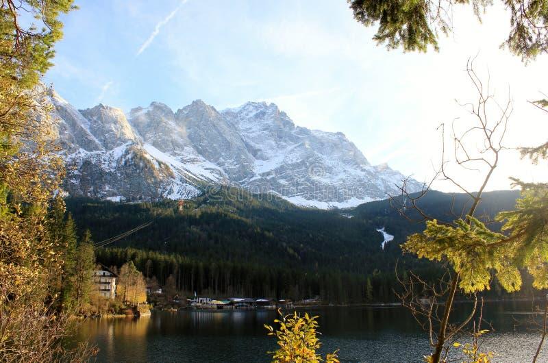 Kostkowy Zugspitze zdjęcie stock