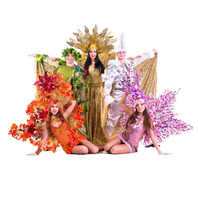 Kostymerar den bärande karnevalet för dansarelaget dans arkivfoto
