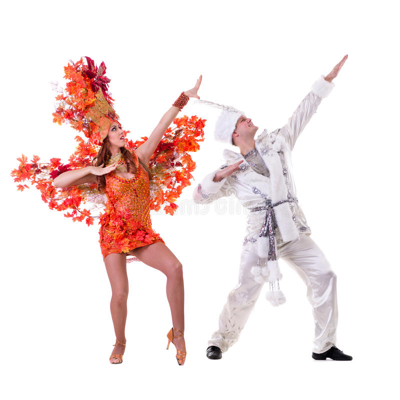 Kostymerar den bärande karnevalet för dansarepar dans royaltyfri fotografi