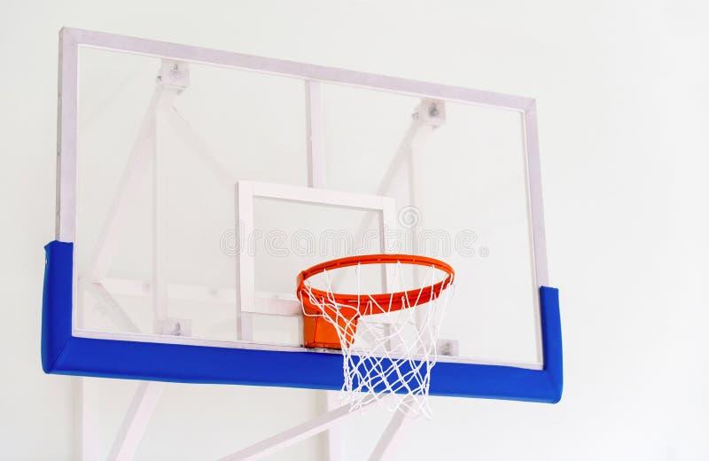 Koszykówka obręcza klatka, odosobniony wielki backboard zbliżenie, nowy outd zdjęcia stock