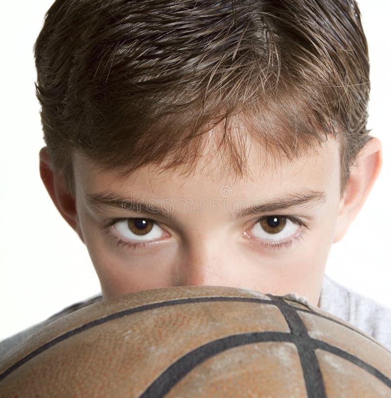 koszykówka target2530_0_ nad młodością zdjęcia royalty free