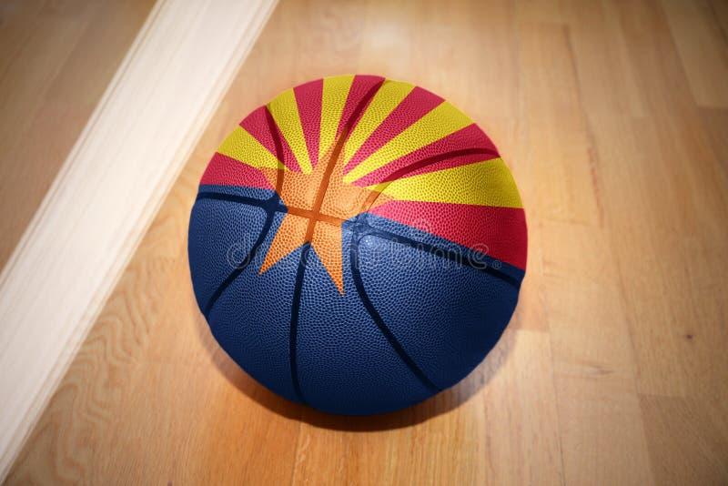 Koszykówki piłka z flaga Arizona stan obraz stock