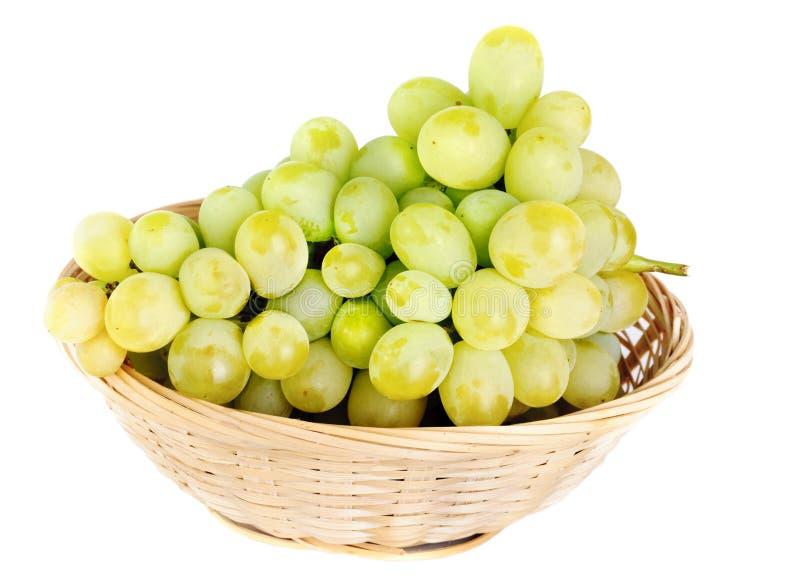 koszykowi świeżej owoc winogrona obrazy stock