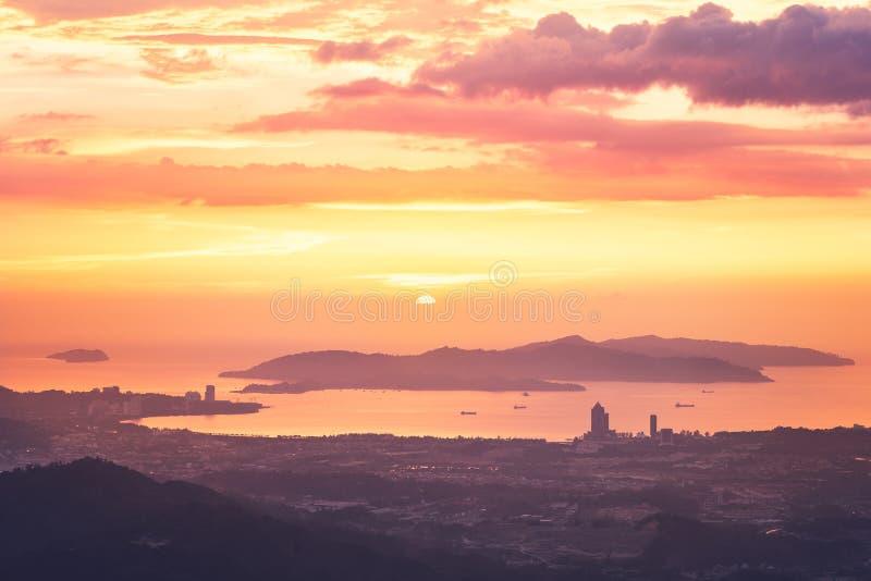 Kota Kinabalu au coucher du soleil image libre de droits