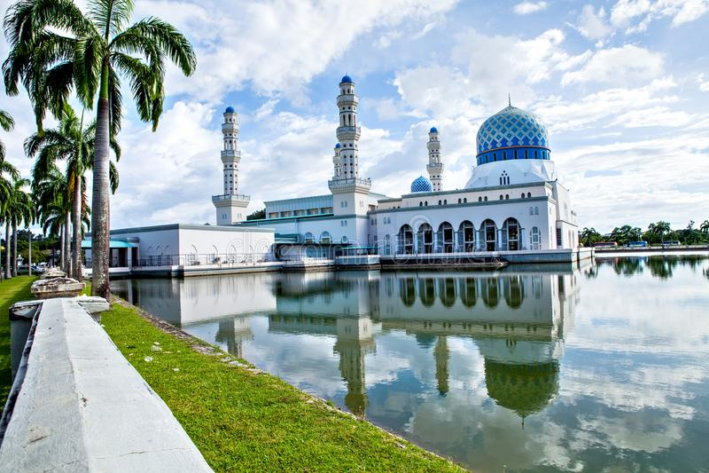 Kota Kinabalu City Mosque, Sabah, Bornéo, Malaisie images stock