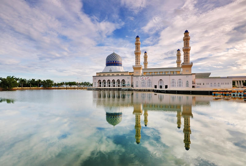 Kota Kinabalu Floating Mosque imagem de stock
