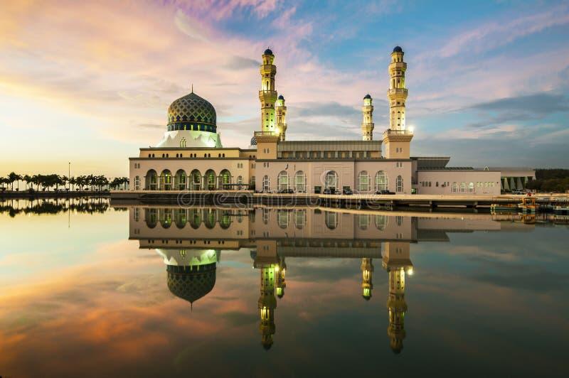 Kota Kinabalu Mosque royaltyfri foto