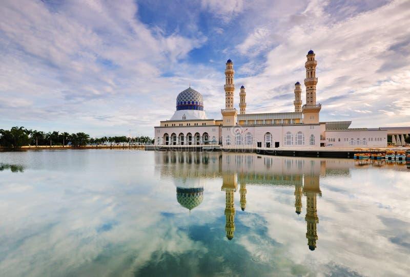 Kota Kinabalu Sabah Floating Mosque royaltyfria bilder