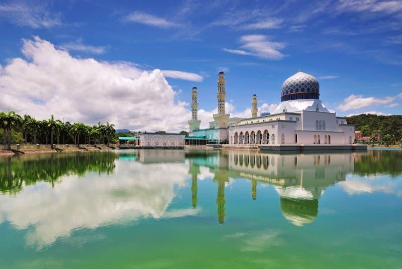 Kota Kinabalu Spławowy meczet zdjęcie royalty free