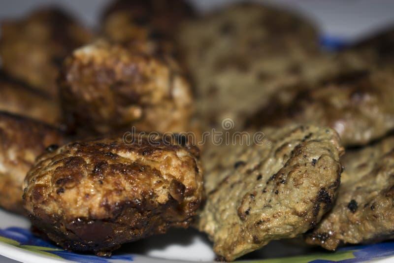 Koteletts vom Fleisch zu Hause stockbilder