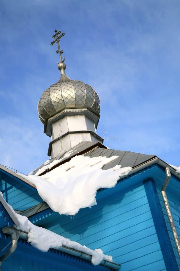 Koterka, igreja ortodoxa azul em Poland em o inverno. foto de stock