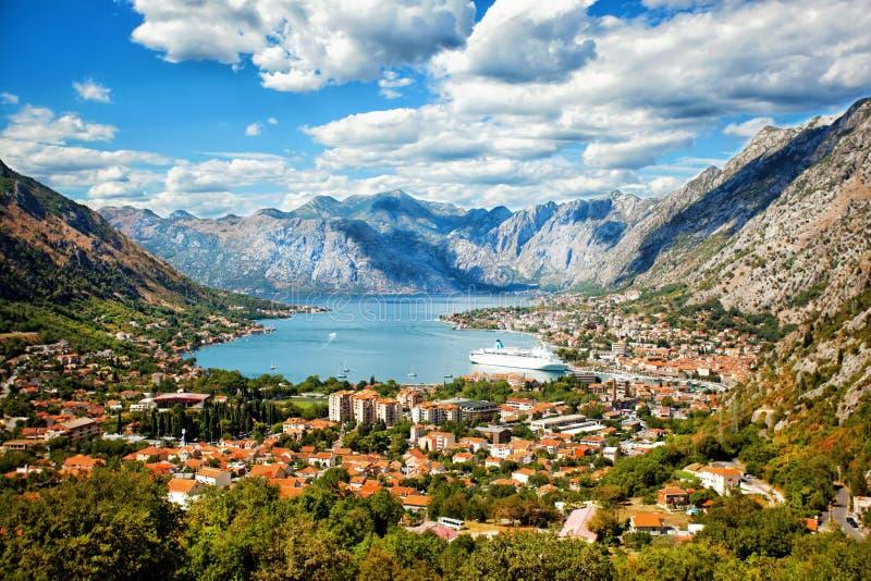 Kotor em um dia de verão bonito, Montenegro foto de stock
