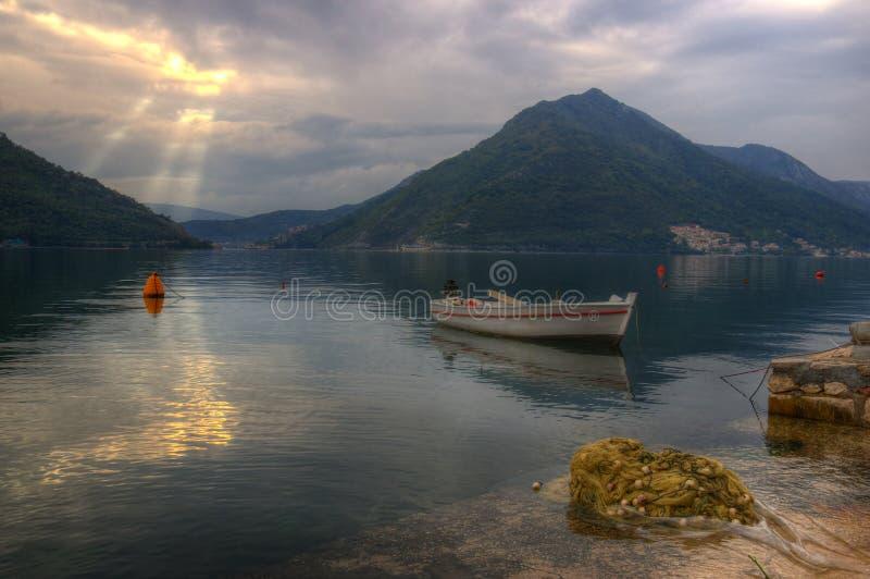 Kotor fjärd nära Perast i Montenegro royaltyfria bilder