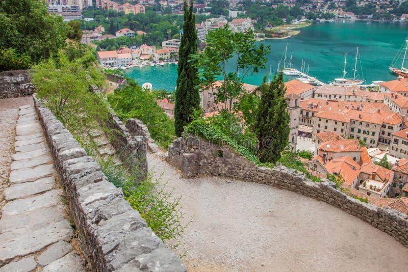 Kotor i en härlig sommardag, Montenegro arkivfoton