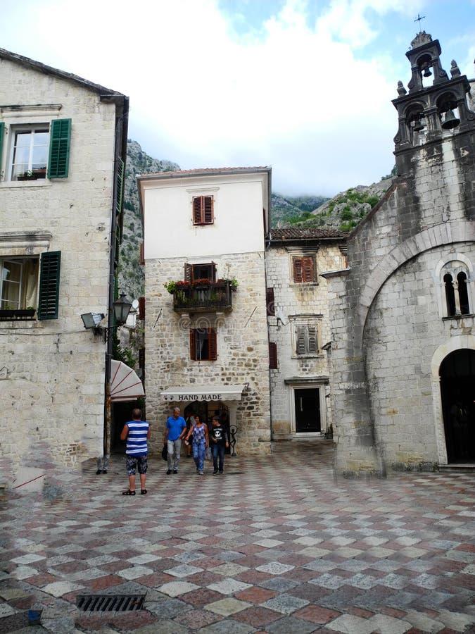 Kotor Montenegro -3 September 2014 Kotor gammal stad, gamla medeltida byggnader royaltyfri fotografi