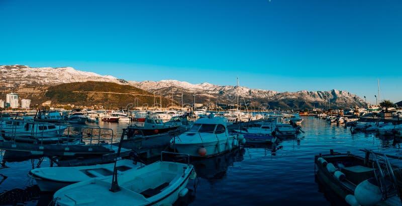 Kotor, Montenegro, zatoka, port, jachty, jacht, śródziemnomorski, adri fotografia stock