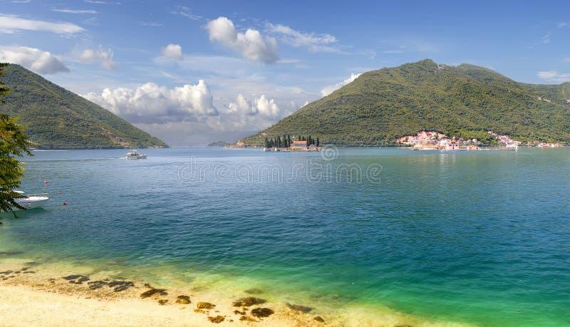 Kotorbaai van Adriatische Overzees Perast, Montenegro stock afbeelding