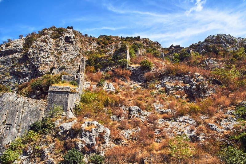 Kotoro的中世纪设防的石废墟  库存图片