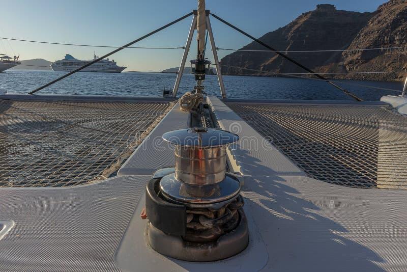 kotwicowy łęku catamaran zdjęcie royalty free