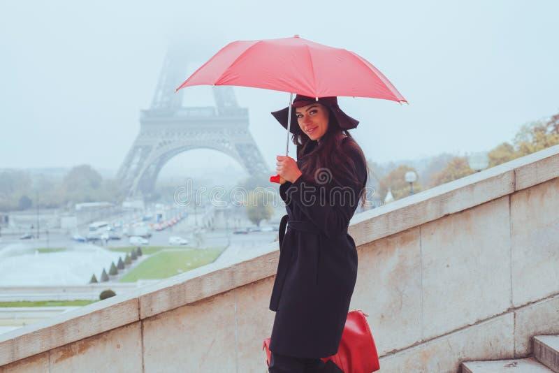 Koud regenachtig weer in Parijs royalty-vrije stock foto