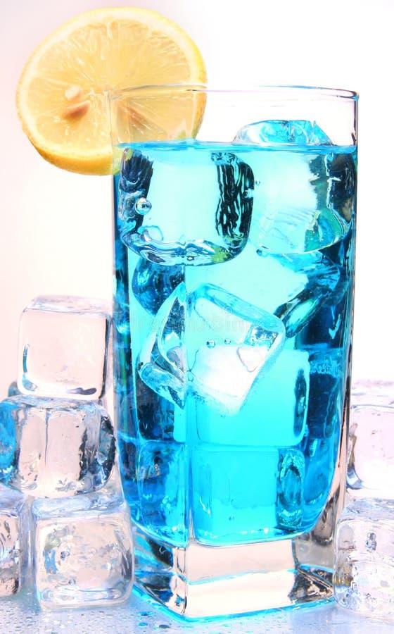 Koude drank met sinaasappel royalty-vrije stock foto's