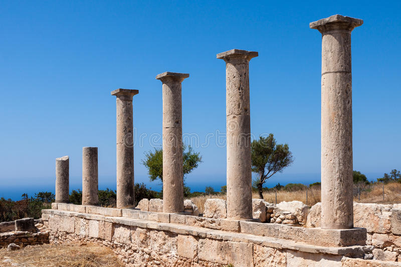 KOURION, CYPRUS/GREECE - 7月24日:阿波罗教堂在Kourion附近的 免版税图库摄影