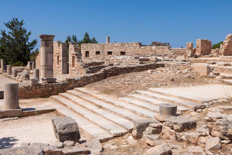 KOURION, CYPRUS/GREECE - 24-ОЕ ИЮЛЯ: Руины buildin палестры стоковое изображение