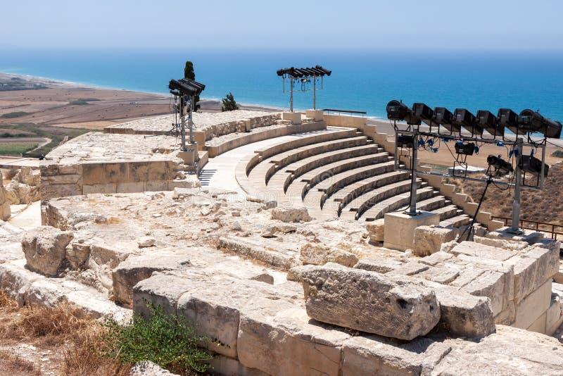 KOURION, CYPRUS/GREECE - 24. JULI: Wieder hergestelltes ampitheatre in stockfoto