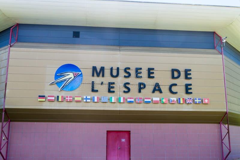 KOUROU, ΓΑΛΛΙΚΉ ΓΟΥΙΆΝΑ - 4 ΑΥΓΟΎΣΤΟΥ 2015: Μουσείο του διαστήματος διαστημικό κέντρο κεντρικού στο χωρικό Guyanais Γουιάνα σε Ko στοκ εικόνα