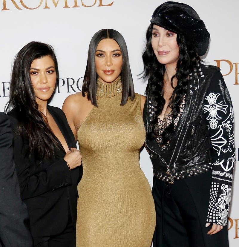 Kourtney Kardashian, Kim Kardashian West et Cher image libre de droits