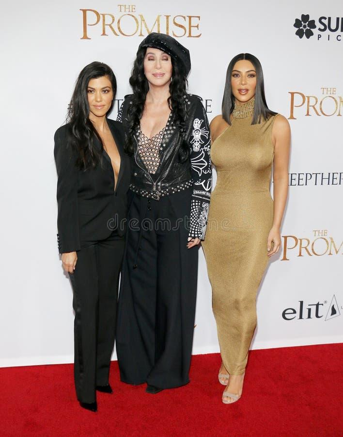 Kourtney Kardashian, Kim Kardashian West et Cher photographie stock