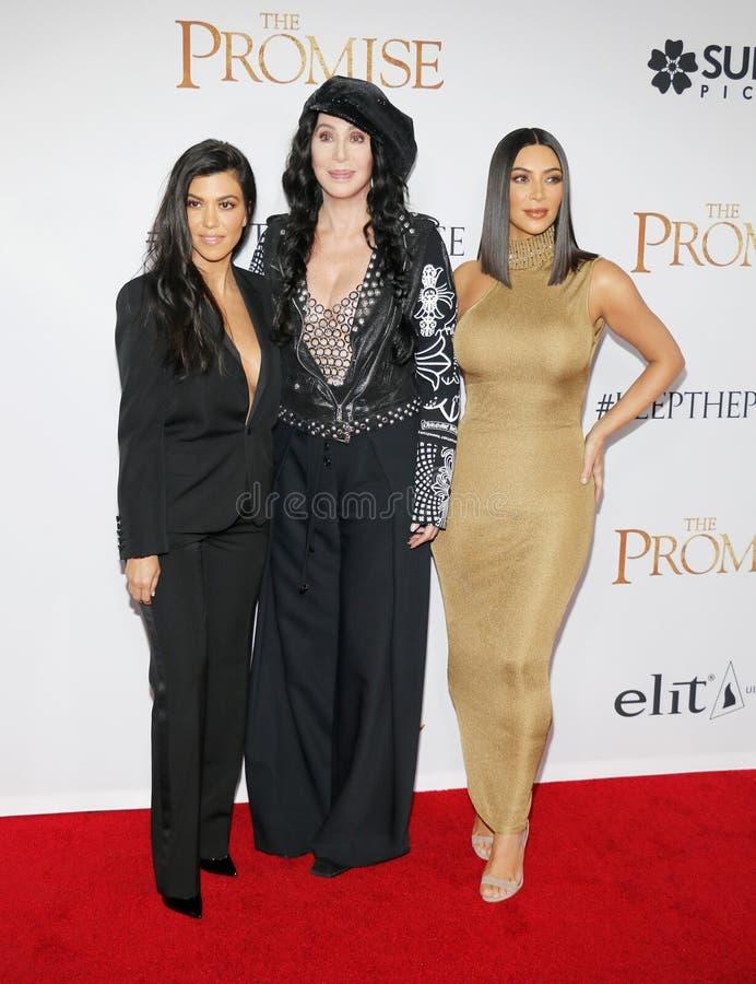 Kourtney Kardashian, Kim Kardashian West et Cher photos libres de droits
