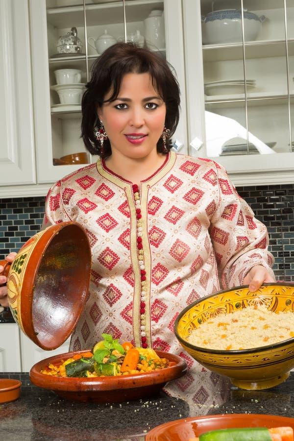 Kouskous en tajine voor Ramadan stock afbeeldingen