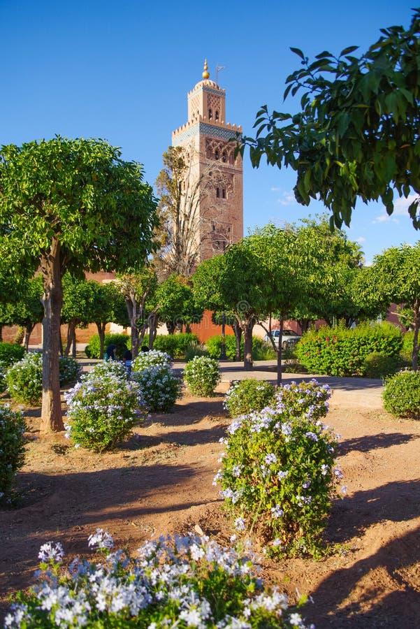 Koutoubia mosk? i Marrakech arkivfoton