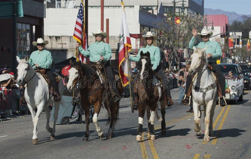 Kowboje i dziewczyny, 115th Złota smok parada, Chiński nowy rok, 2014, rok koń, Los Angeles, Kalifornia, usa obraz stock
