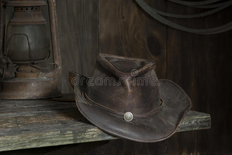 Kowbojski kapelusz w stajni obrazy royalty free