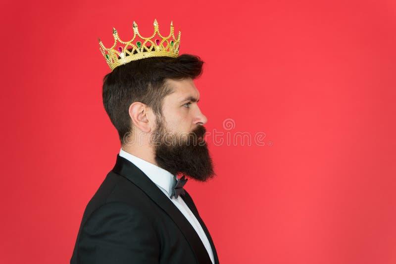 Królewiątko atrybut Narcystyczny królewiątko Jaźni zaufania pojęcie Przystojnego modnisia formalny kostium Elity społeczeństwo uc fotografia stock